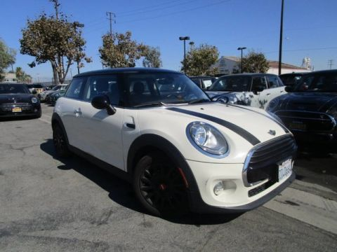 Pre-Owned 2016 MINI Cooper Hardtop
